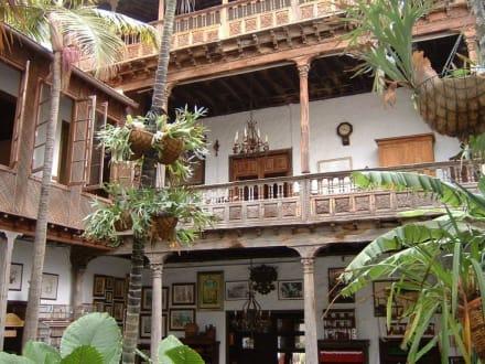 Haus der Balkone - La Casa de los Balcones