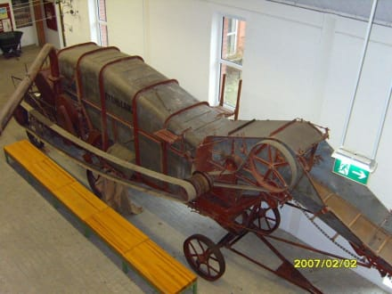 Dreschmaschine von oben! - Landwirtschaftsmuseum Meldorf