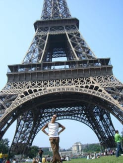 Schiefer Turm? - Eiffelturm