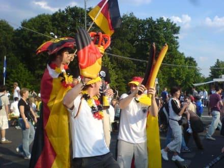 Fußball Fans Fanmeile - Brandenburger Tor