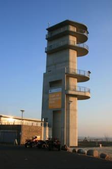 Blick aus 30 Metern Höhe auf den Tagebau - Aussichtsturm am schweren Berg