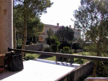 Blick von der Terrasse ins Klosterinnere - Kloster Randa