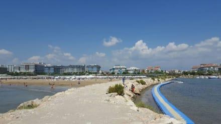 Blick vom künstlich angelegtem Hafen - Hafen Evrenseki