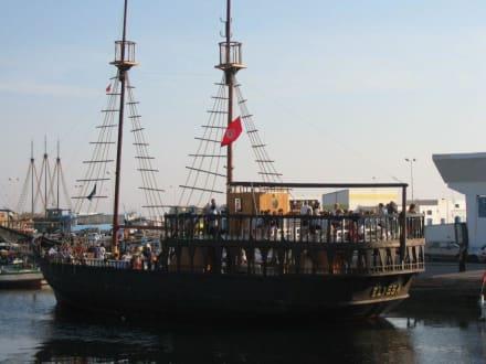Piratenschiff - Piratenschifffahrt Midoun