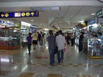 Elektro Abteilung - hier gibt es alles... - MBK - Mah Boon Krong Center