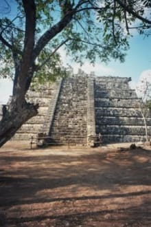 Kleine Pyramide - Ruine Chichén Itzá