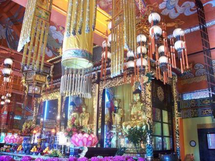 Tempel/Kirche/Grabmal - Kloster Po Lin