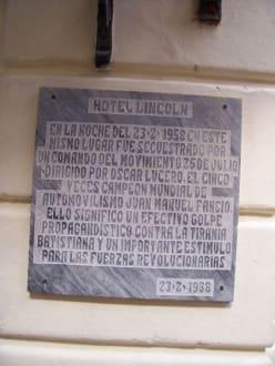 Gedenktafel Fangio - Altstadt Havanna