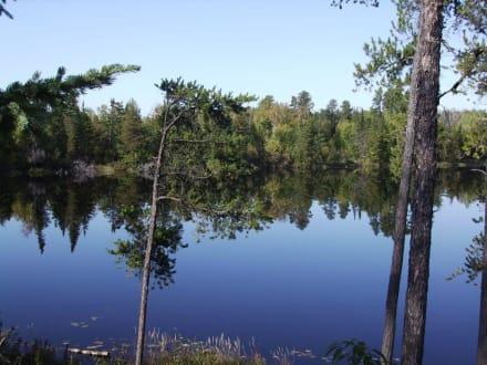 Spiegelungen ... - Halfway Lake Provincial Park