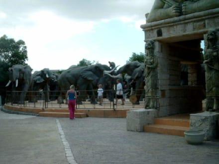 Elefanten - Portal - Carthageland