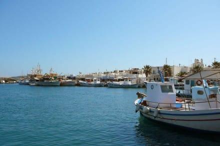 """Am """"neuen"""" Hafen - Hafen Naoussa"""