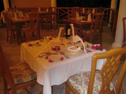 Ein geburtstagsgruß des hotels hotel sun island resort spa