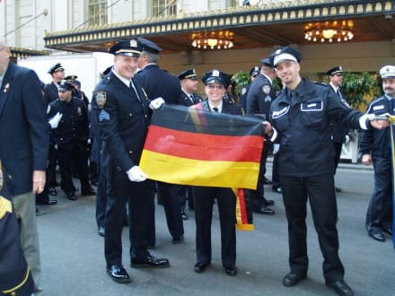 Letzter Gruss nach Old Germany - Steuben Parade New York