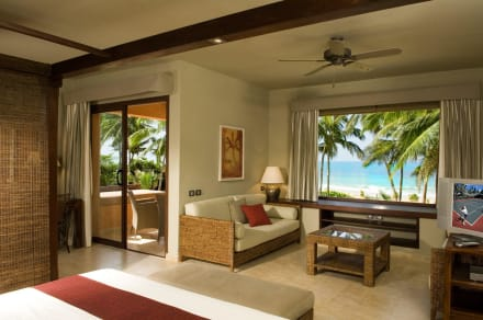 Premium Oceanfront Jr. Suite -