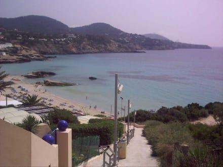 Sicht auf den Strand von Cala Tarida - Strand Cala Tarida
