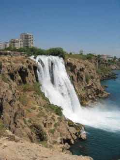 Wasserfall in Antalya - Unterer Düden Wasserfall / Karpuzkaldiran Şelalesi
