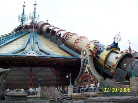 Space Mountain - Disneyland Resort Paris / Euro Disney