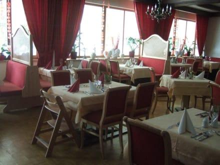 Speisesaal - Familiengut Hotel Burgstaller