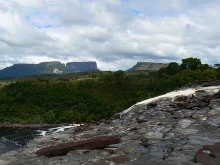 Tafelberg - Wasserfälle von Canaima - Salto Sapo