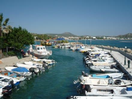 Am Hafen - Yachthafen Mandraki