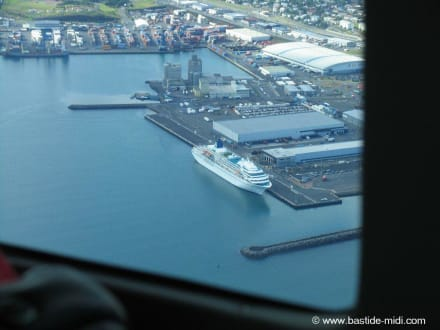Die Amadea am Pier in Reikjavyk (Island) - MS Amadea