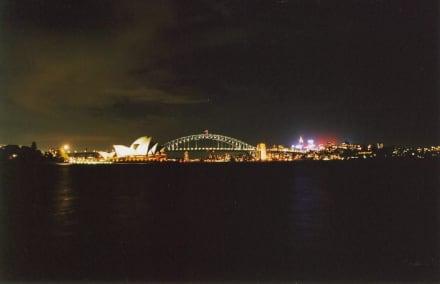 Sydney bei Nacht - Harbour Bridge