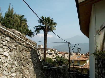 Blick aus einer Seitengasse - Altstadt Riva del Garda