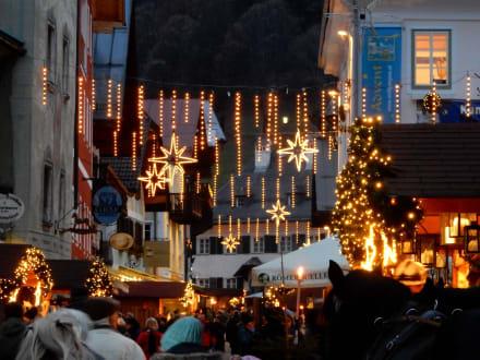 Tolle Weihnachtsbeleuchtung - Adventmarkt Wolfgangsee