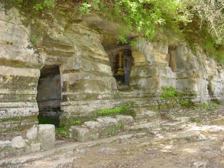 Grabkammern - Argiroupolis & antike Stadt Lappa