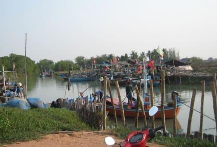 Fischerhafen in Haad Chao Samran - Fischereihafen Haad Chao Samran