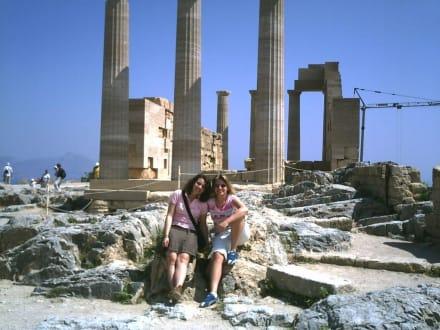 Sanne und Ich vor der Akropolis in Lindos - Akropolis von Lindos