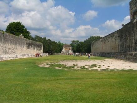 Der Torstein des Ballspiels - Ruine Chichén Itzá