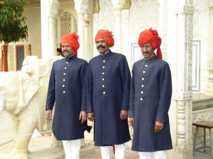 Vor dem Palast des Maharadschas - Palast des Maharadscha Jaipur