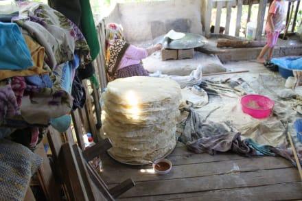 Einheimische Familie - Toni Macaroni's Ausflüge