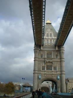 Sonstige Gebäude - Tower Bridge