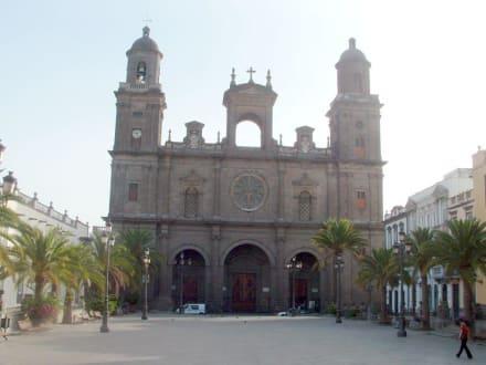 Kathedrale St. Ana im Morgenlicht - Kathedrale de Santa Ana