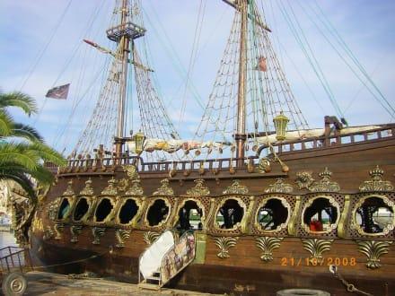 Im Hafen - Piratenschifffahrt Sousse