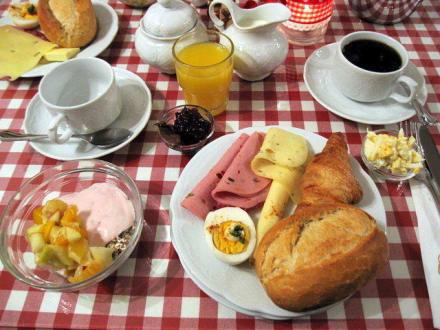 Frühstückstisch - Hotel Monaco