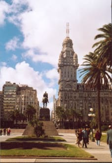 Palacio Salvo in Montevideo - Palacio Salvo