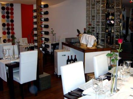 Im Restaurant die Tische - Restaurant Qué tal