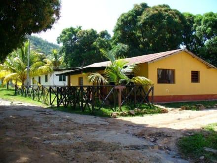 Häuser in Canaima - Wasserfälle von Canaima - Salto Sapo