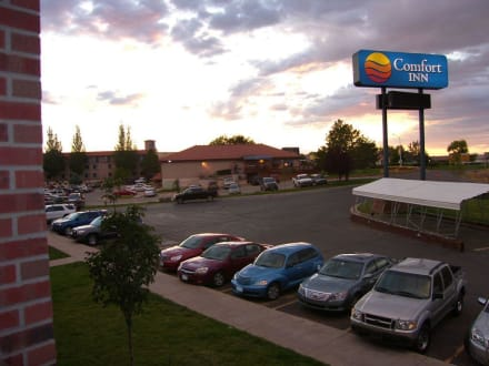 Blick vom Hotel auf das Lokal - Koko's Friendly Pub