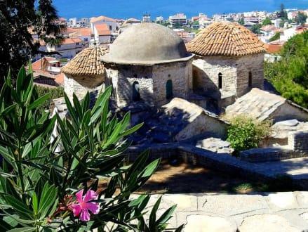 Vathy´s Kirchen und der Blick auf das Meer - Altstadt Vathy