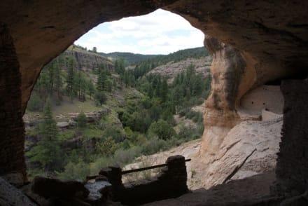 """Kein schlechter Blick aus dem """"Wohnzimmer"""" - Gila Cliff Dwellings National Monument"""