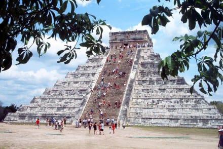 Pyramide des Kukulcan Chichen Itza - Ruine Chichén Itzá