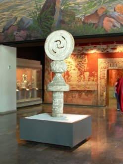 Im Museum - Nationalmuseum für Anthropologie
