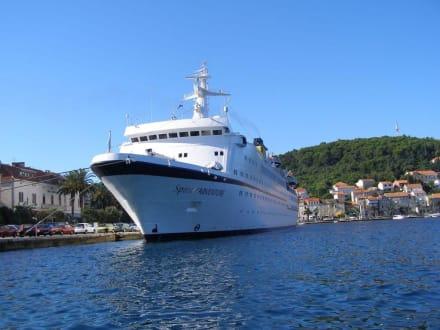 Kreuzfahrtschiff - Hafen Korcula