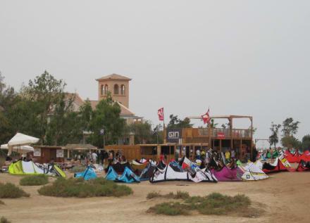 Kitepeople Kiteschule (nicht empfehlenswert) - Mövenpick Resort & Spa El Gouna
