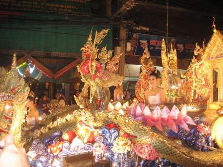 Festumzug - Loi Kratong (Lichterfest)