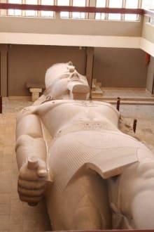Memphis, Kalksteinstatue Ramses II - Freilichtmuseum Memphis